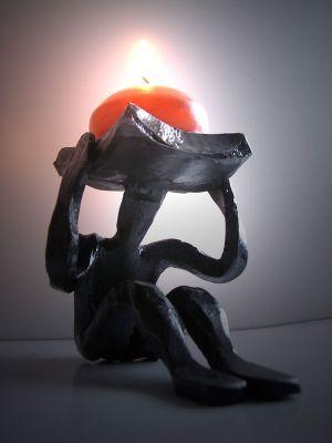 kovaný stolní svícen