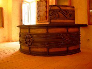 kovaný stůl