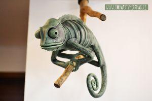 kovaný chameleon